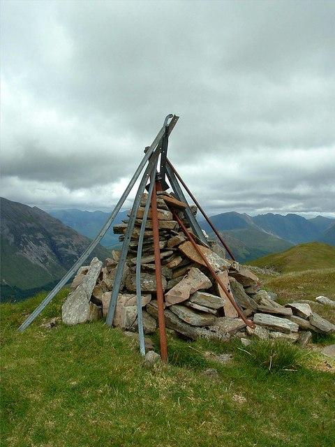 Fraochaidh Summit Cairn