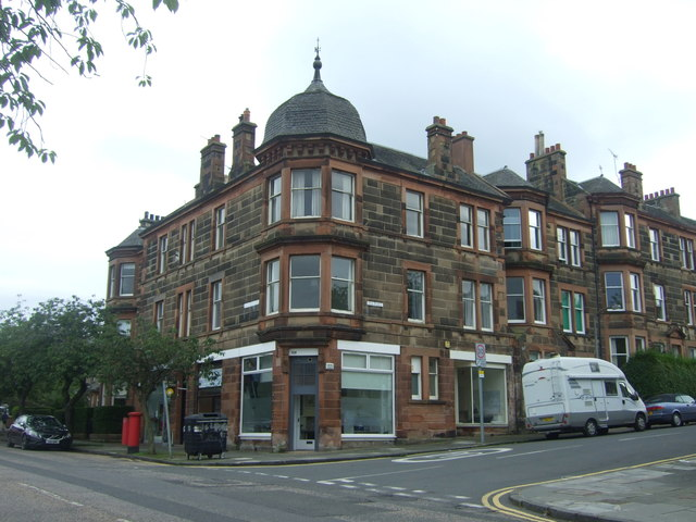 Shop and flats on Blackford Avenue, Edinburgh EH9