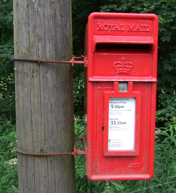 Close up, Elizabethan postbox on Peebles Road