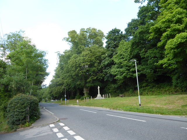 Junction of Parsonage Lane and School Hill