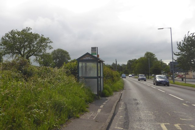Bus shelter on Quarry Batch (A39)