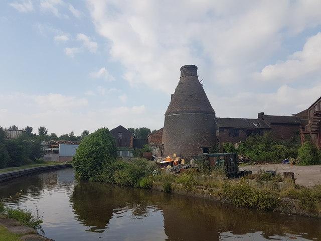 Price & Kensington Pottery Bottle Kiln, Longport - Burslem
