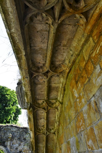 Hailes Abbey: Detail of entrance to the Monks' Dining Hall (Refectory)
