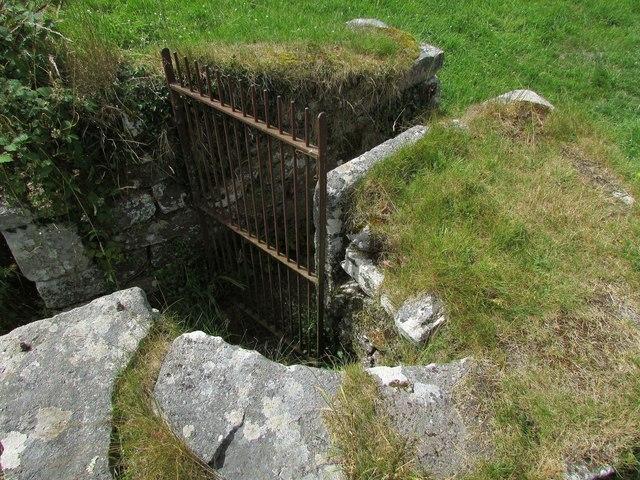Gate into churchyard, Widecombe