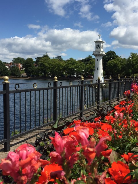 The Scott Memorial - Roath Park Lake