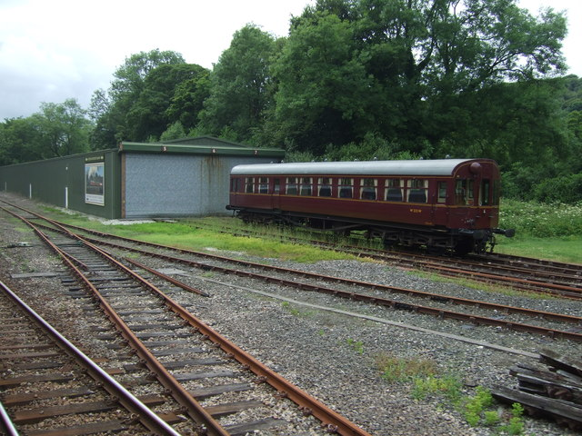 Coach W232W and engine shed, Bodmin and Wenford Railway