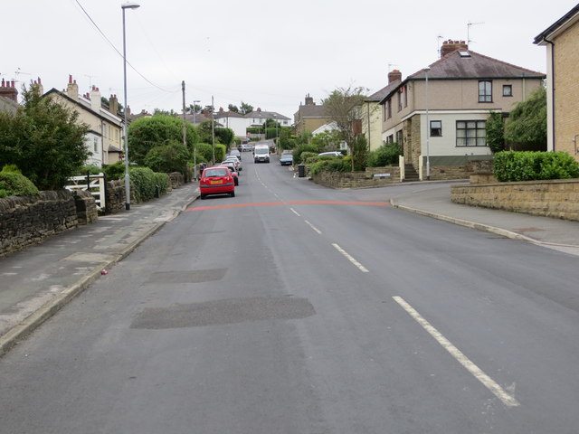 Batter Lane in Rawdon near its junction with Park Avenue