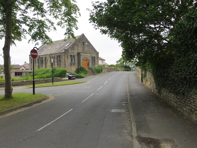Quakers Lane in Rawdon at its junction with Park Road