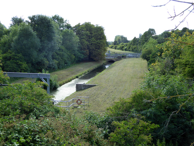 Staines Reservoirs Aqueduct