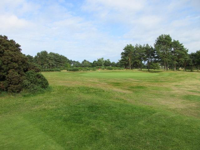 Scotscraig Golf Course, 10th hole, Cricket