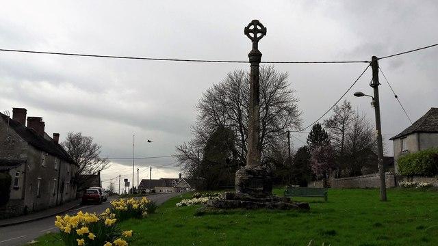 Cross on Leafield Green