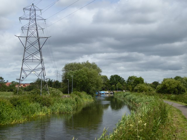 Power lines crossing Bridgwater and Taunton Canal