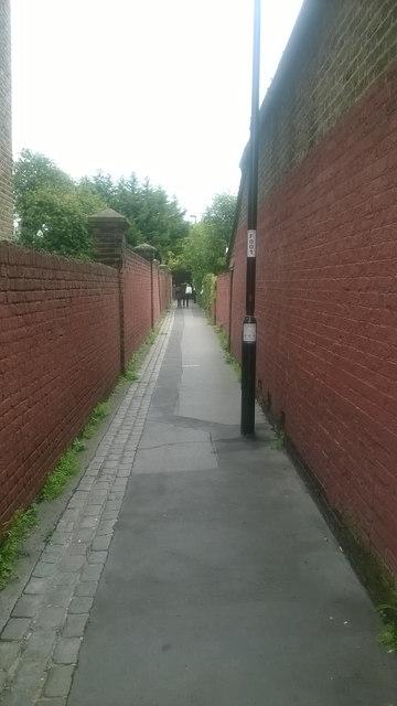 Bensham Manor Passage, Thornton Heath