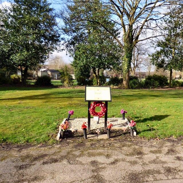 Hyde Cemetery War Memorial