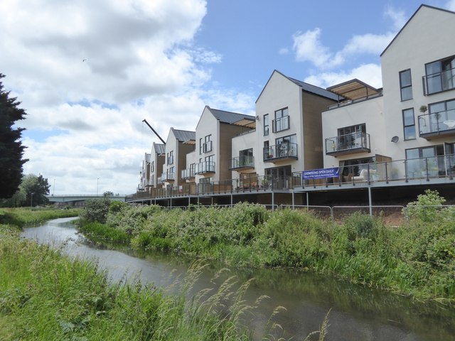 New apartments overlooking Bridgwater and Taunton Canal