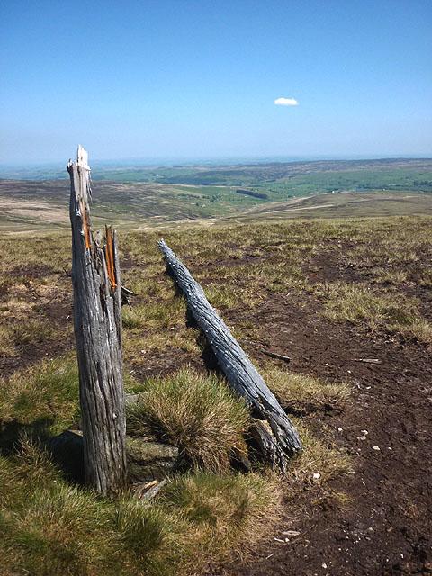 Toppled 'mast', Killhope Law