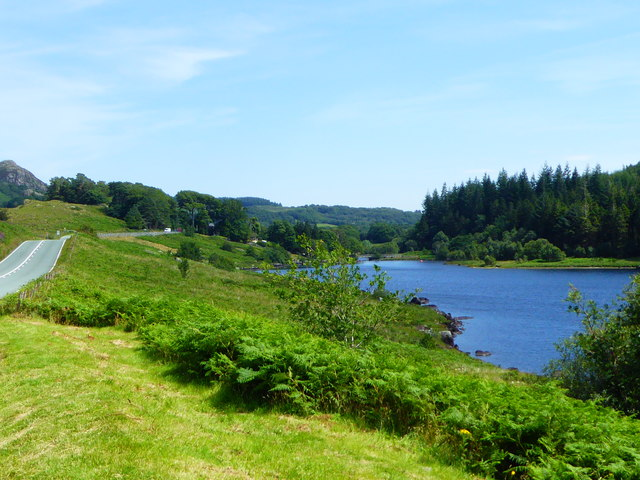 Looking east along Lynnau Mymbyr towards Plas y Brenin