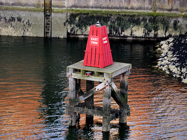East Twin Beacon, Belfast Harbour
