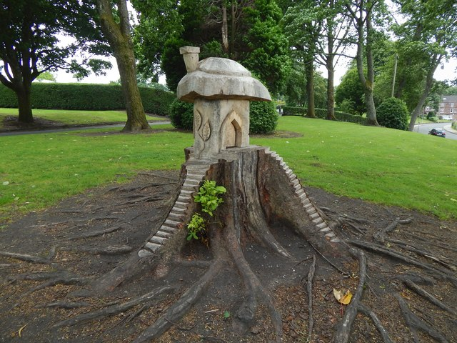 Fairy house in Levengrove Park