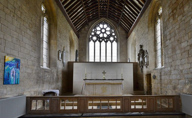 Bishops Cleeve, St. Michael and All Angels Church: Chancel with replacement Decorated style east window (1900)