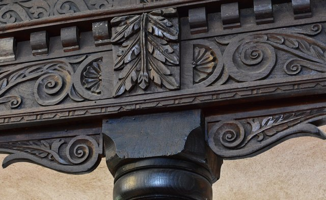 Bishops Cleeve, St. Michael and All Angels Church: Detail of carved oak on the c17th Jacobean gallery