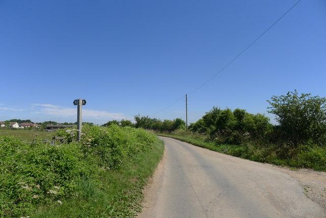 Highfield Lane leading to Hawkesbury Upton
