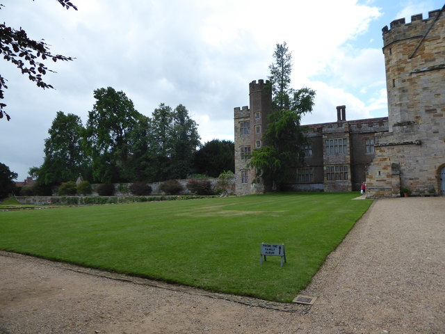 Penshurst Place: western wing