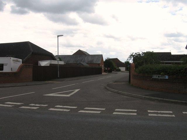 Jubilee Close, Sutton St James
