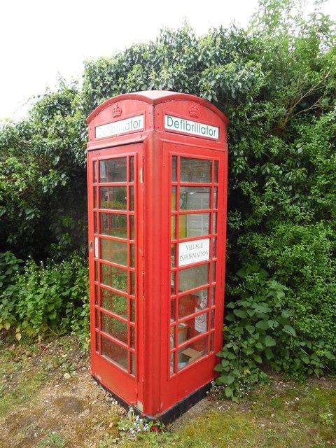 Red K6 Telephone Box at Sydenham, Oxon