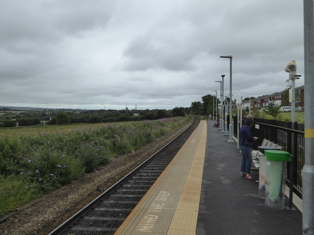 Newcourt railway station, looking south