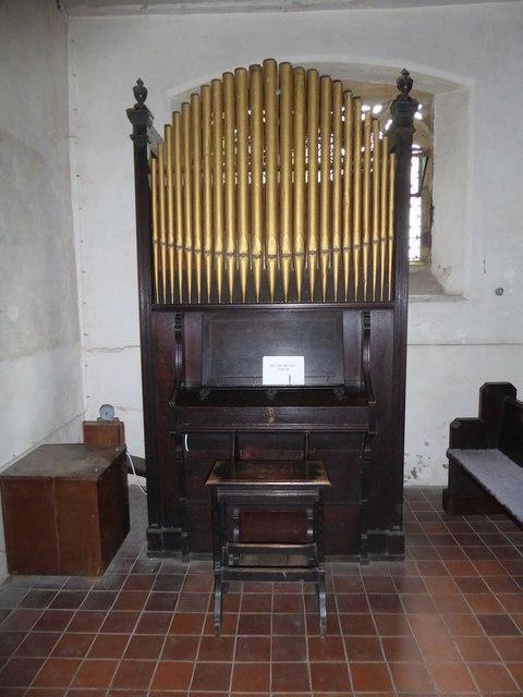 St Thomas à Becket, Capel: organ