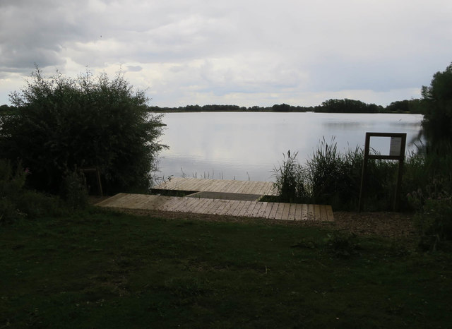 New platform at Fen Drayton Lakes