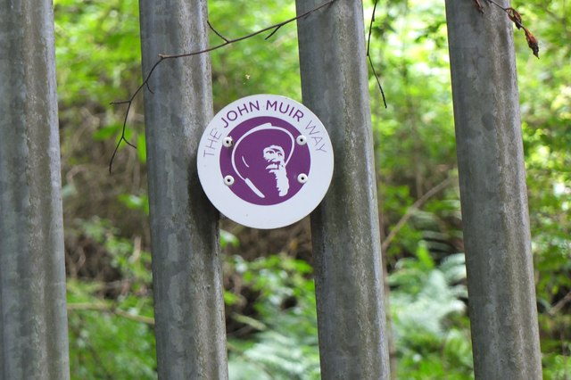 John Muir Way route marker, Corstorphine Hill