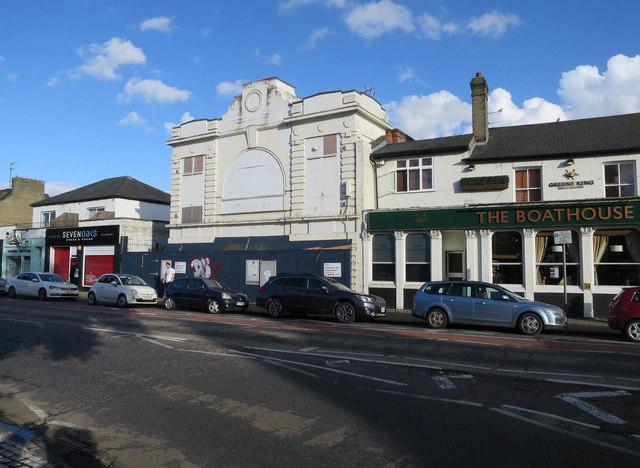 Former Tivoli, Mitcham's Corner