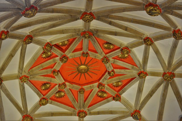 Tewkesbury Abbey: The crossing vault