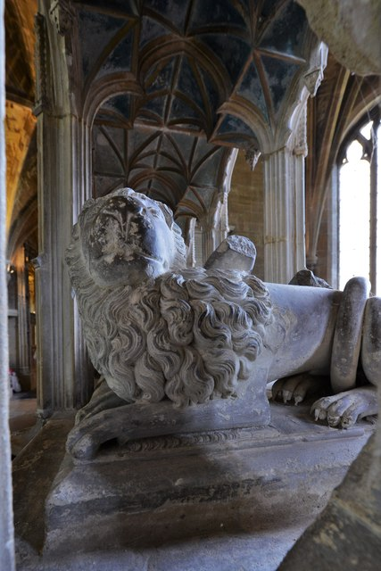 Tewkesbury Abbey: Monument to Sir Guy de Brien (d. 1390) 2