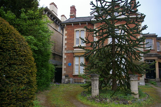 10 Park Town, Oxford, with blue plaque to Sarah Angelina Acland