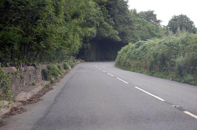 A386 heading east near the River Torridge