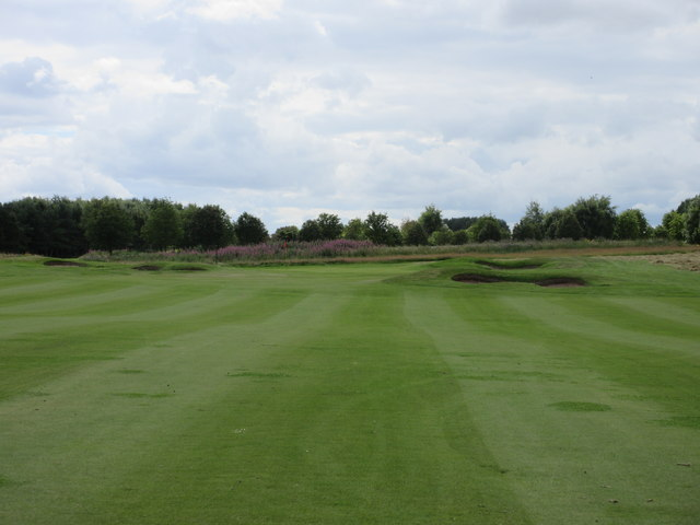 Elmwood Golf Course, 5th hole, Trackside