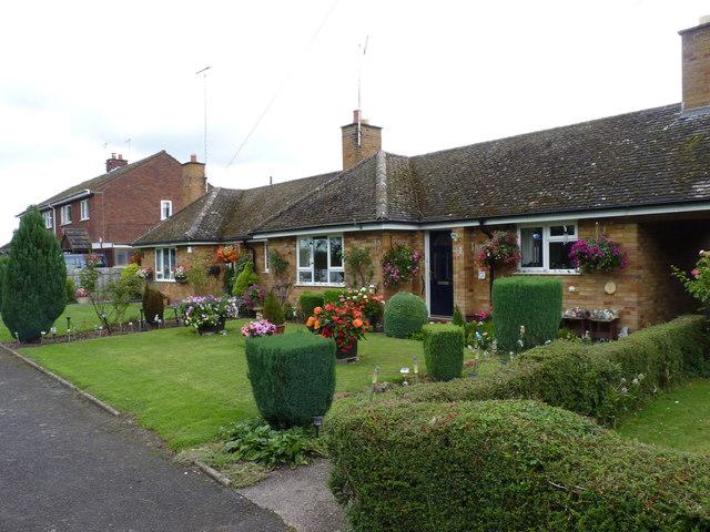 Attractive gardens at Littlebrook, Himbleton