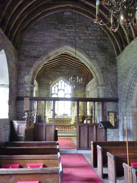 Interior St James, Huddington
