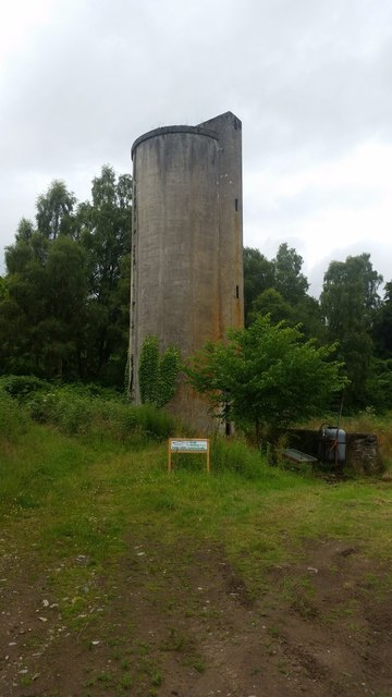 Old farm silo, Struy