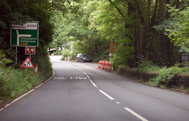 A386 approaching bend and junction