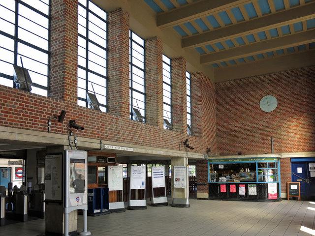 Sudbury Town tube station - interior