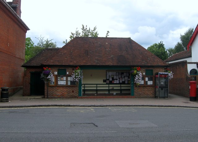 Bus Shelter and Public Conveniences, High Street, Henfield