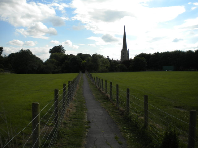Footpath to church, Bottesford