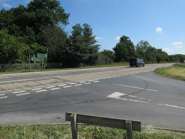 Lingwood Road junction with A47
