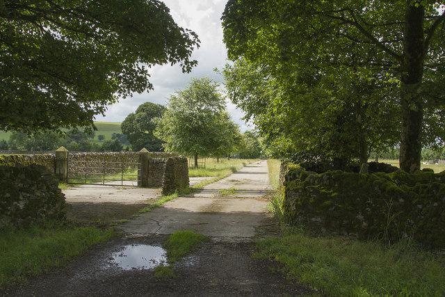 Entrance to Biggin Grange Farm
