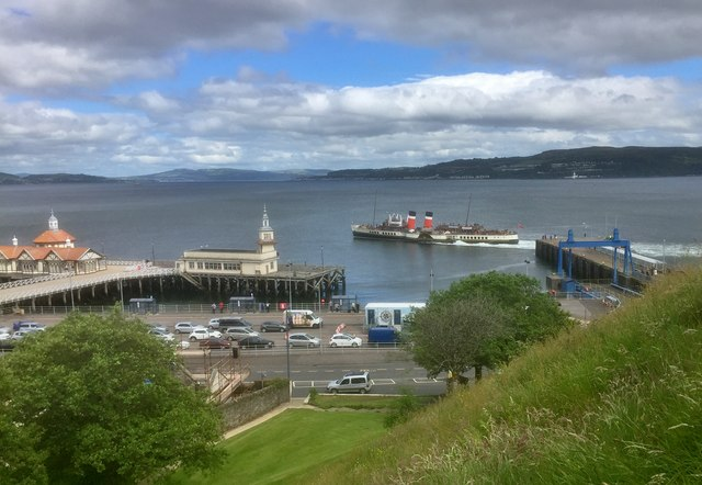 The 'Waverley' leaving Dunoon pier