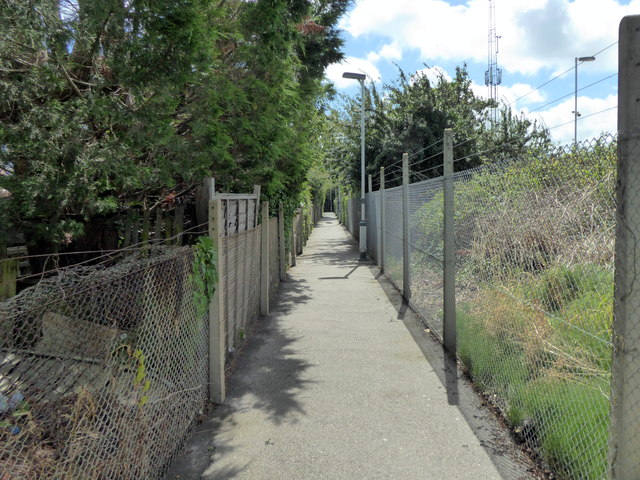 Alleyway leading to Hampden Park Station